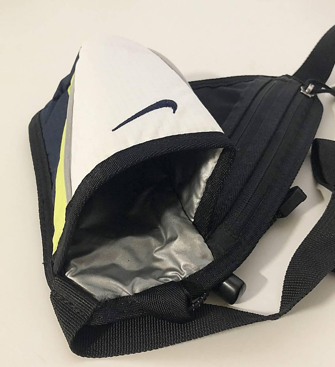 NIKE ナイキ ランニングポーチウエストポーチ ペットボトルポケット付き ブラック