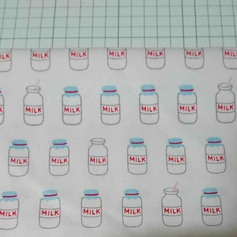 ミルク柄 MILK 生地 布 綿 オックス ハンドメイド はぎれ