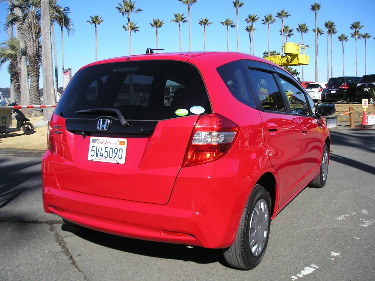 「後期型の艶々赤フィット! スマートキー付きの特別仕様車「10th Anniversary」 実走4万Km! (写真37枚有り) 」の画像2