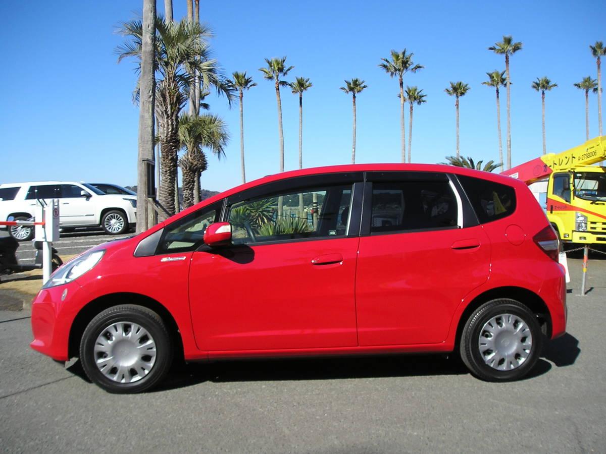 「後期型の艶々赤フィット! スマートキー付きの特別仕様車「10th Anniversary」 実走4万Km! (写真37枚有り) 」の画像3