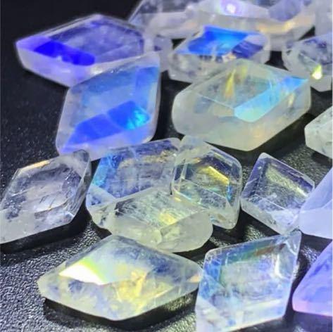 天然石 宝石質レインボームーンストーン ダイヤカット27個_画像6