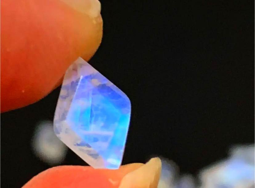 天然石 宝石質レインボームーンストーン ダイヤカット27個_画像4