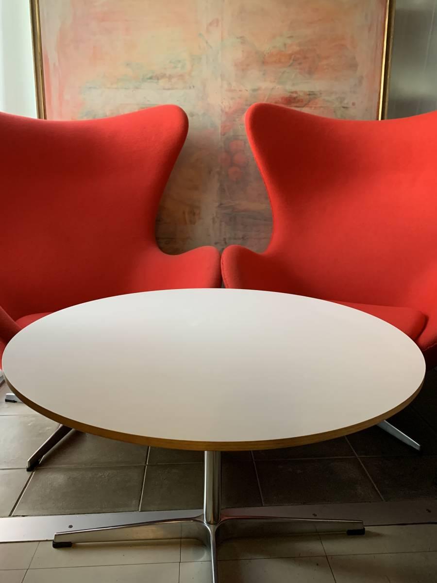 アルネ・ヤコブセン (エッグチェア × 2・ローテーブル ×1のセット) 北欧家具・ミッドセンチュリー家具・デザイナーズ家具