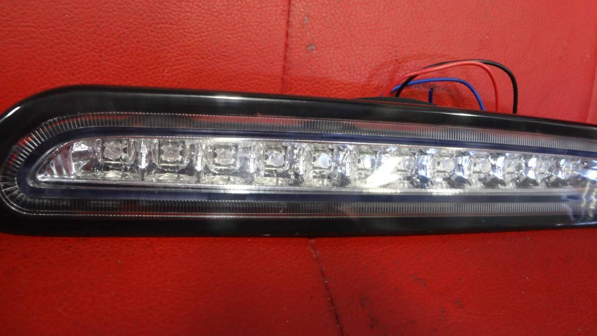 【少し訳あり】200系 ハイエース 3型後期 4型 LED ハイマウント ストップ ランプ 黒ふち_画像2