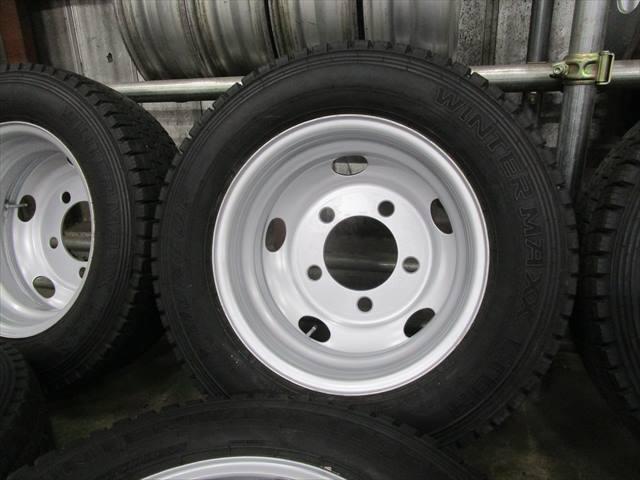 セール スタッドレス 205/70R16 DUNLOP LT03 10~12mm いすゞエルフ TK16×5.5J 116.5-8TC 5穴 両面再塗装 6本セット_画像3
