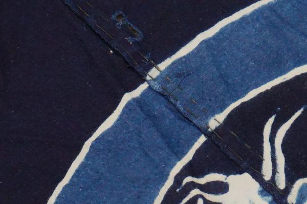 1963F8◆家紋風呂敷◆揚羽蝶◆藍染木綿古布◆アンティーク生地◆リメイク素材◆ヴィンテージ◆JAPAN BLUE◆ANTIQUE_画像9