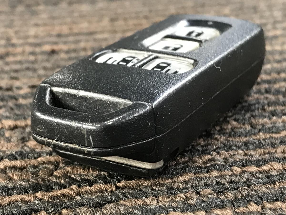 ★4ボタンタイプ!! JF1 ホンダ N-BOX カスタムG Lパッケージ 平成24年 純正 スマートキー キーレス 鍵 両側パワースライドドア★_画像3