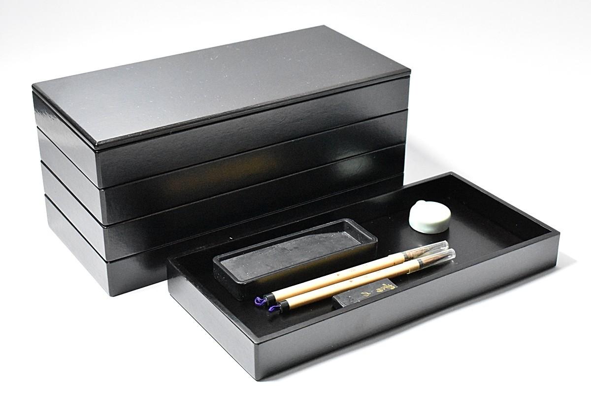 z0985 木製 黒塗 五段重 硯箱 紙共箱 硯 筆 墨 水滴 茶器 茶道具 書道具