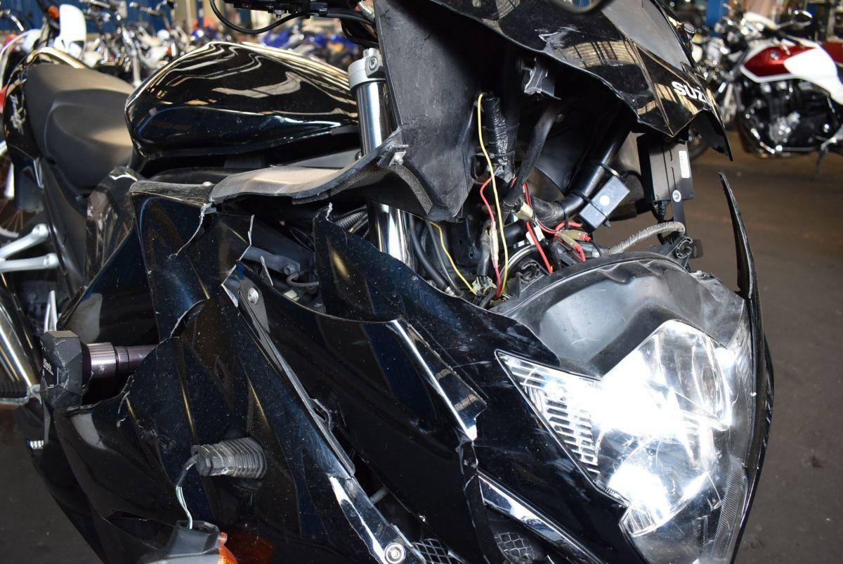 「SUZUKI BANDIT1250F 事故転倒車 部品取り 修復素材に 大阪発 引き取り大歓迎」の画像3