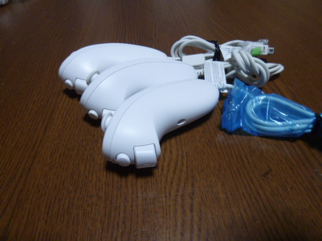 N006【送料無料 動作確認済】Wii ヌンチャク 3個セット ホワイト(クリーニング済)白 NINTENDO 任天堂 純正