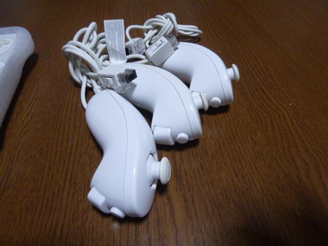 RSJN064【送料無料 動作確認済】Wii リモコン ジャケット ストラップ ヌンチャク 3個セット ホワイト 白 カバー
