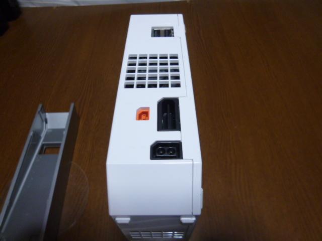 W35【送料無料】Wii 本体 台付き(レンズクリーニング・動作確認済)ホワイト 白