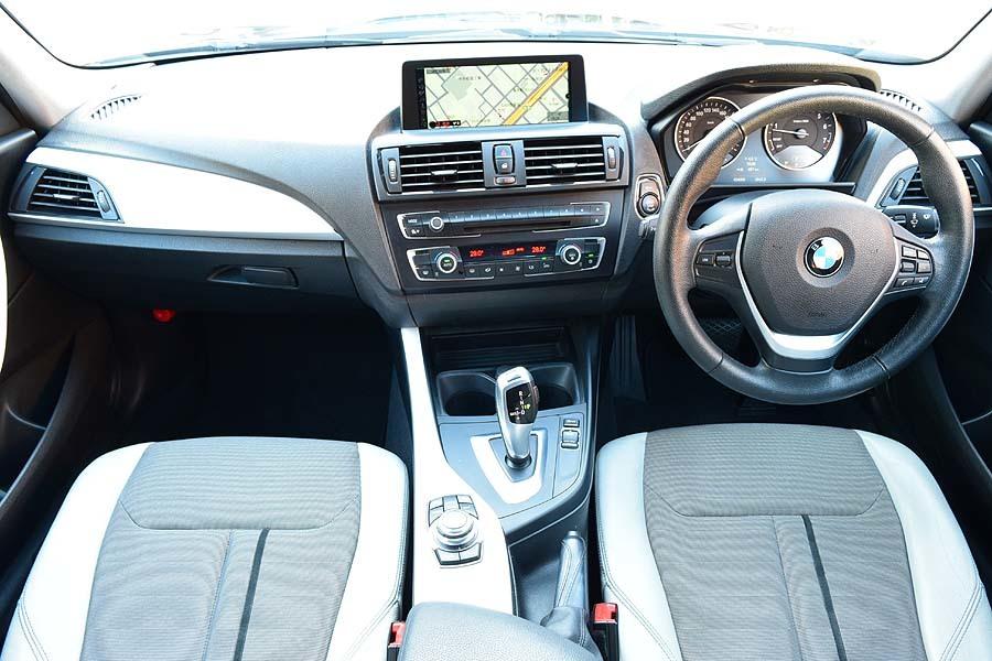 人気カラー ブラックサファイア BMW116iスタイル ディーラー記録多数有 出品中の現車確認可能【全車輌消毒消臭済】_出品中の現車確認も可能です。