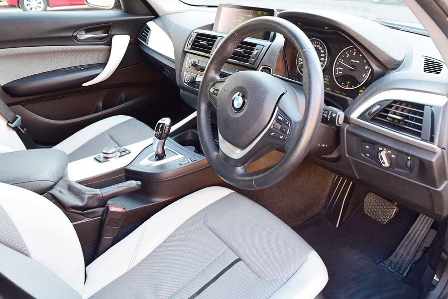 人気カラー ブラックサファイア BMW116iスタイル ディーラー記録多数有 出品中の現車確認可能【全車輌消毒消臭済】_画像7