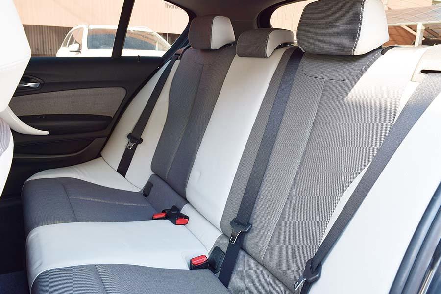 人気カラー ブラックサファイア BMW116iスタイル ディーラー記録多数有 出品中の現車確認可能【全車輌消毒消臭済】_画像9