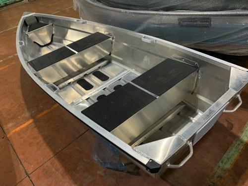 V型でもフラット床/ Karamas 330SVは免許不要/42kg/アルミカラー_画像2