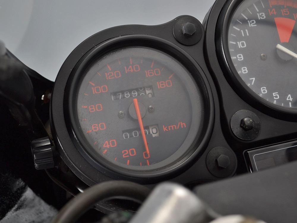 「業販43万 値下交渉あり VFR400R NC24 プロアーム 走行距離17,899km 即決落札で安心整備・記録簿付と検2年と前後タイヤ新品 前後ブレーキOH」の画像3