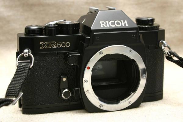 RICOH リコー製 Kマウント専用 昔の一眼レフカメラ XR-500 ボディ 希少な作動品 (腐食無し)