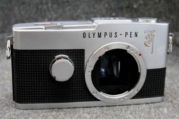 OLYMPUS オリンパス 人気のハーフサイズ 高級一眼レフカメラ PEN-F 希少な作動品