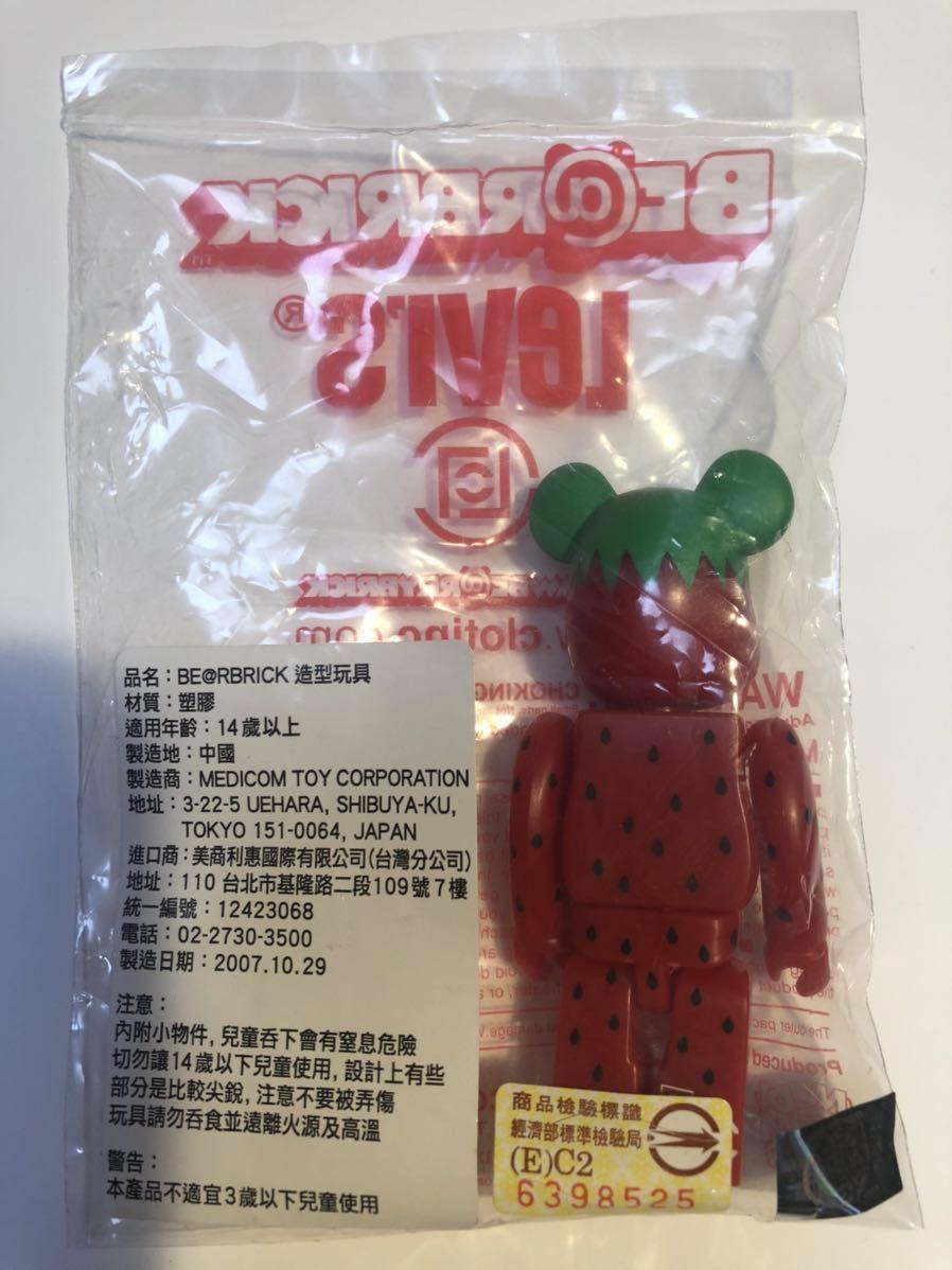 【台湾限定】BE@RBRICK Levi's Taiwan CLOT Strawberry 100% / ベアブリック リーバイス クロット ストロベリー_画像2