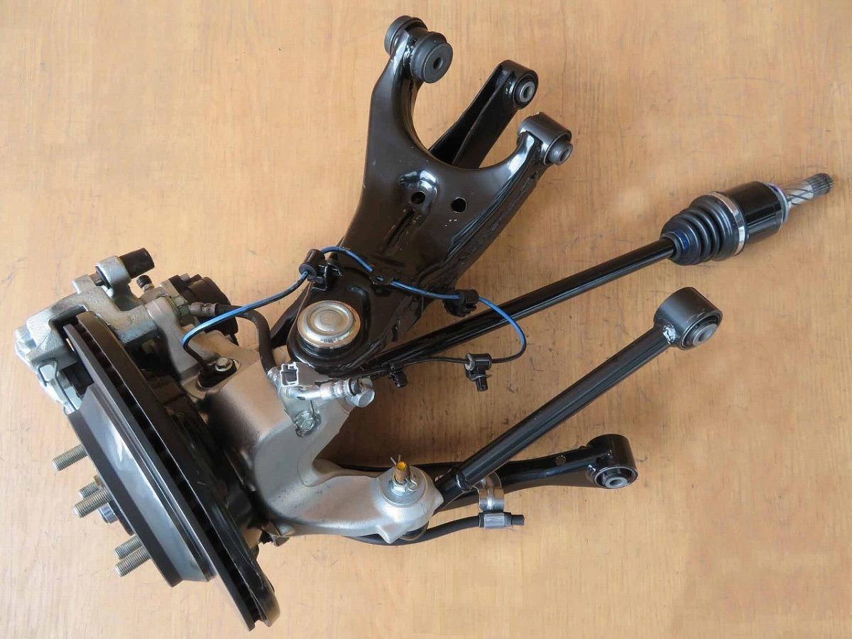 R1 インプレッサG4 GK3 4WD 右リア足回り/右R足周り/ハブ/ナックル/ローター/キャリパー_画像4