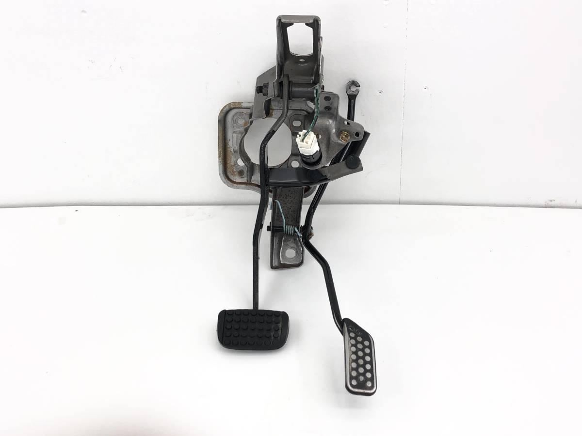 _b50486 ダイハツ ムーヴ ムーブ カスタム R CBA-L150S アクセルペダル ブレーキ L152S L160S_画像1