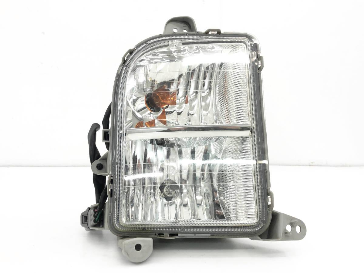 _b50486 ダイハツ ムーヴ ムーブ カスタム R CBA-L150S フォグランプ ライト 右 RH STANLEY 5387 L152S L160S_画像1