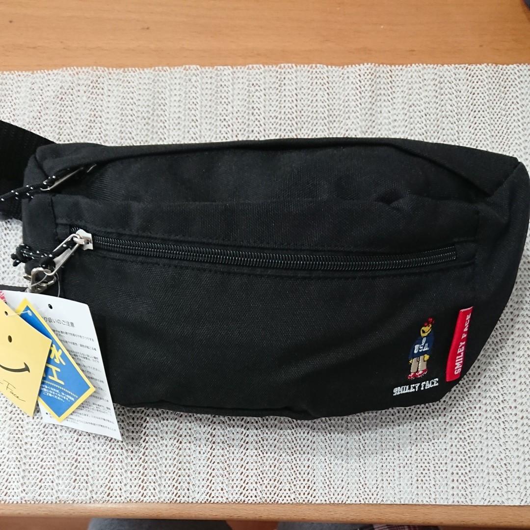 【即購入可】新品  スマイリーフェイス   ウエストバッグ 黒   ボディバッグ ショルダーバッグ ウエストポーチ ウエストバッグ