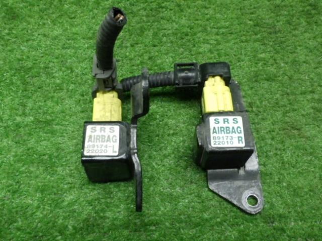 トヨタ GX105 チェイサー 純品 エアバック センサー 2点セット 201223064_画像1