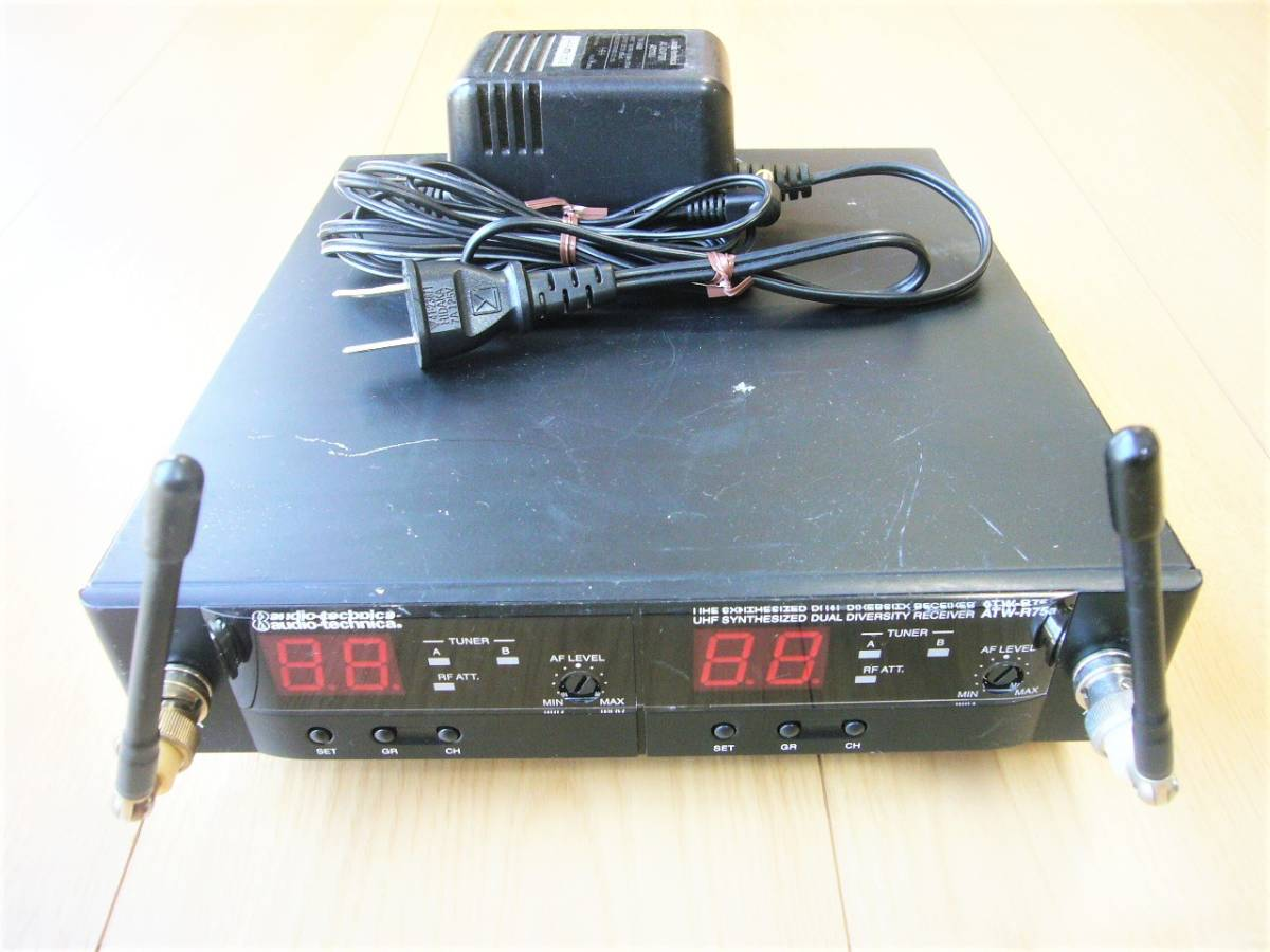 ♪ audio-technica 電波式ワイヤレスレシ-バ-・ATW-R75a 中古品 ♪_画像1