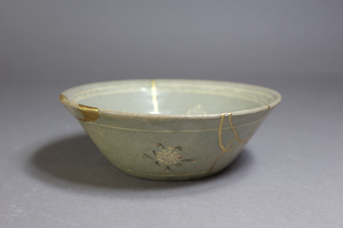 高麗青磁 象嵌花文鉢 朝鮮古陶磁 / 金継ぎの美_画像1