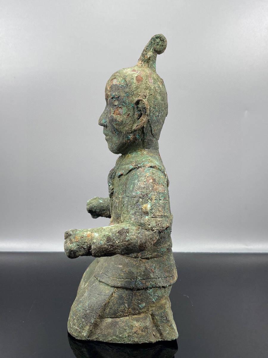 ◆0685◆コレクター放出 漢代 青銅器人俑兵馬俑 重さ1395g 長さ8cm 横幅13cm 高さ23cm_画像7