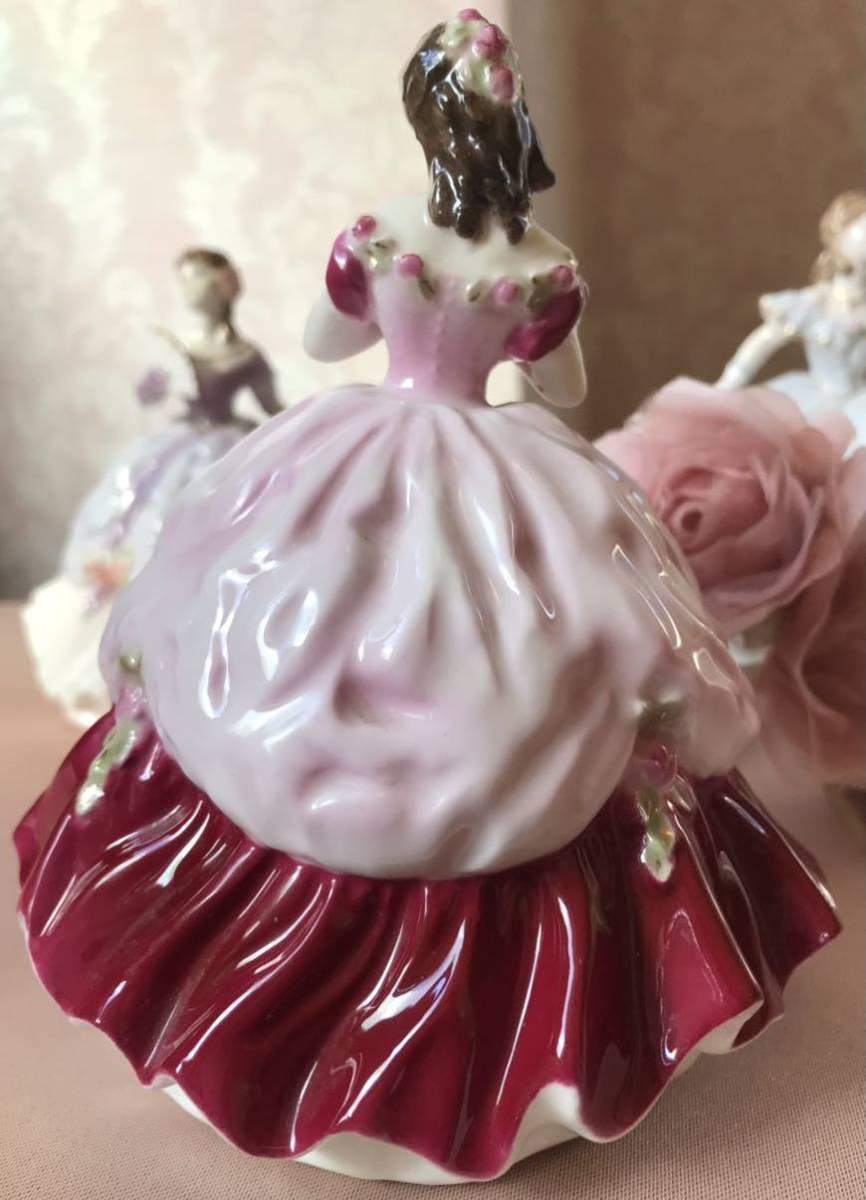 〈送料込〉ロイヤルウースター 高さ12cm ミニ レディ フィギュリン Royal Worcester フィギュア ドレス 陶器人形 貴婦人 レッド 置物 人形_画像5