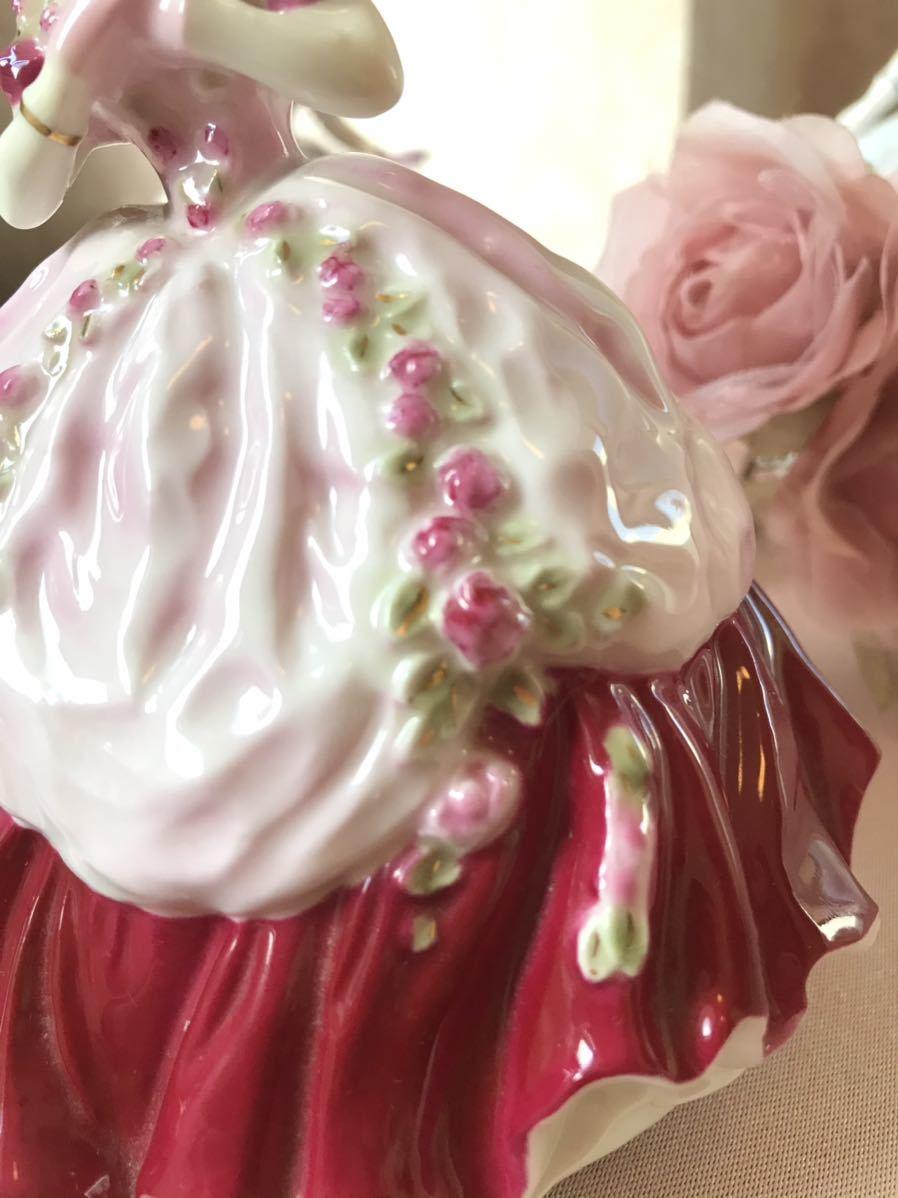 〈送料込〉ロイヤルウースター 高さ12cm ミニ レディ フィギュリン Royal Worcester フィギュア ドレス 陶器人形 貴婦人 レッド 置物 人形_画像3