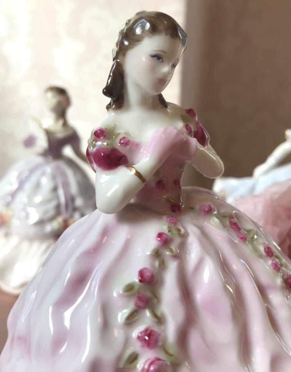 〈送料込〉ロイヤルウースター 高さ12cm ミニ レディ フィギュリン Royal Worcester フィギュア ドレス 陶器人形 貴婦人 レッド 置物 人形_画像2