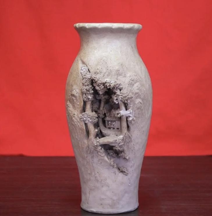 岩窟松彫刻細工壺 二六焼 高さ26cm 佐々木二六焼 水月焼 楽山焼_画像1