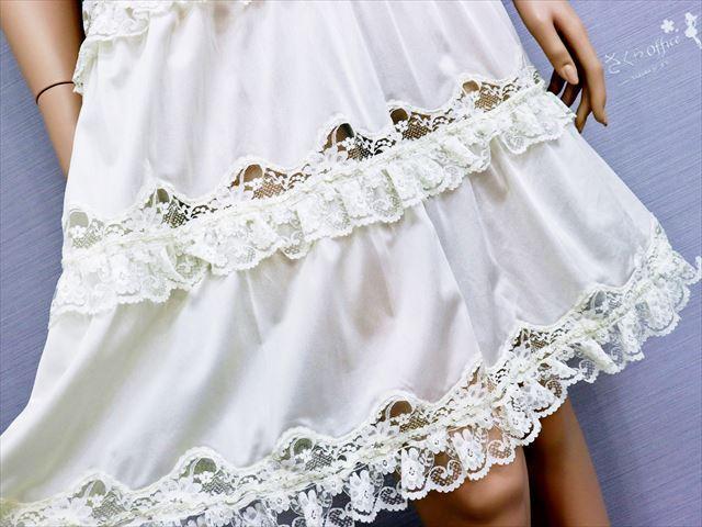 CE3-78☆セシール/日本製♪ドレスのような美しさ♪ウエストゴム入り*ストレッチスリップ*90※送料はゆうパケットなら250円♪_画像3