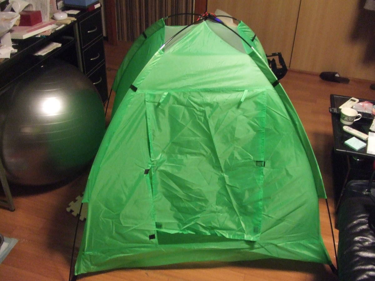 未使用品 一人用 テント コンパクト キャンプテント ソロテント 小型テント 防災 緊急 アウトドア用品