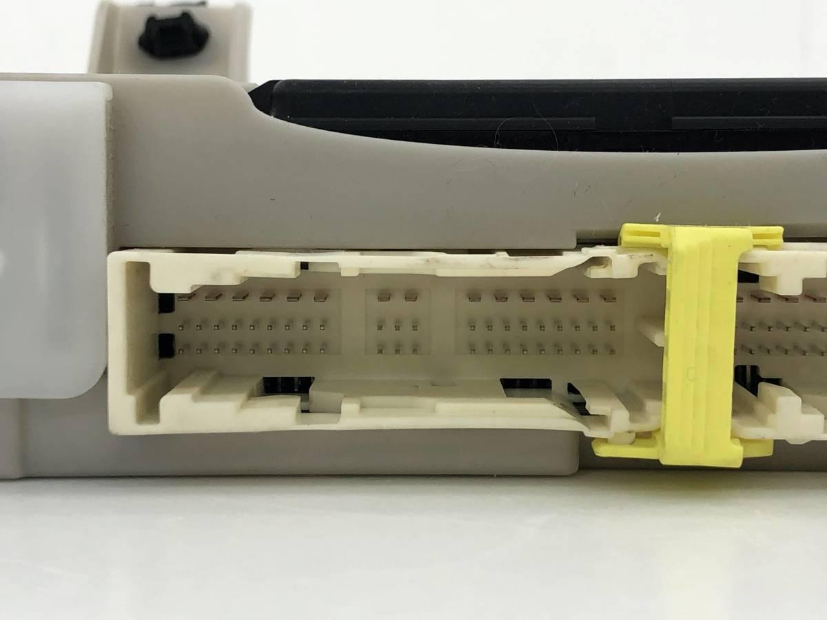 _b49753 トヨタ アクア S DAA-NHP10 ヒューズボックス 室内側 コンピューター 89221-52340_画像2