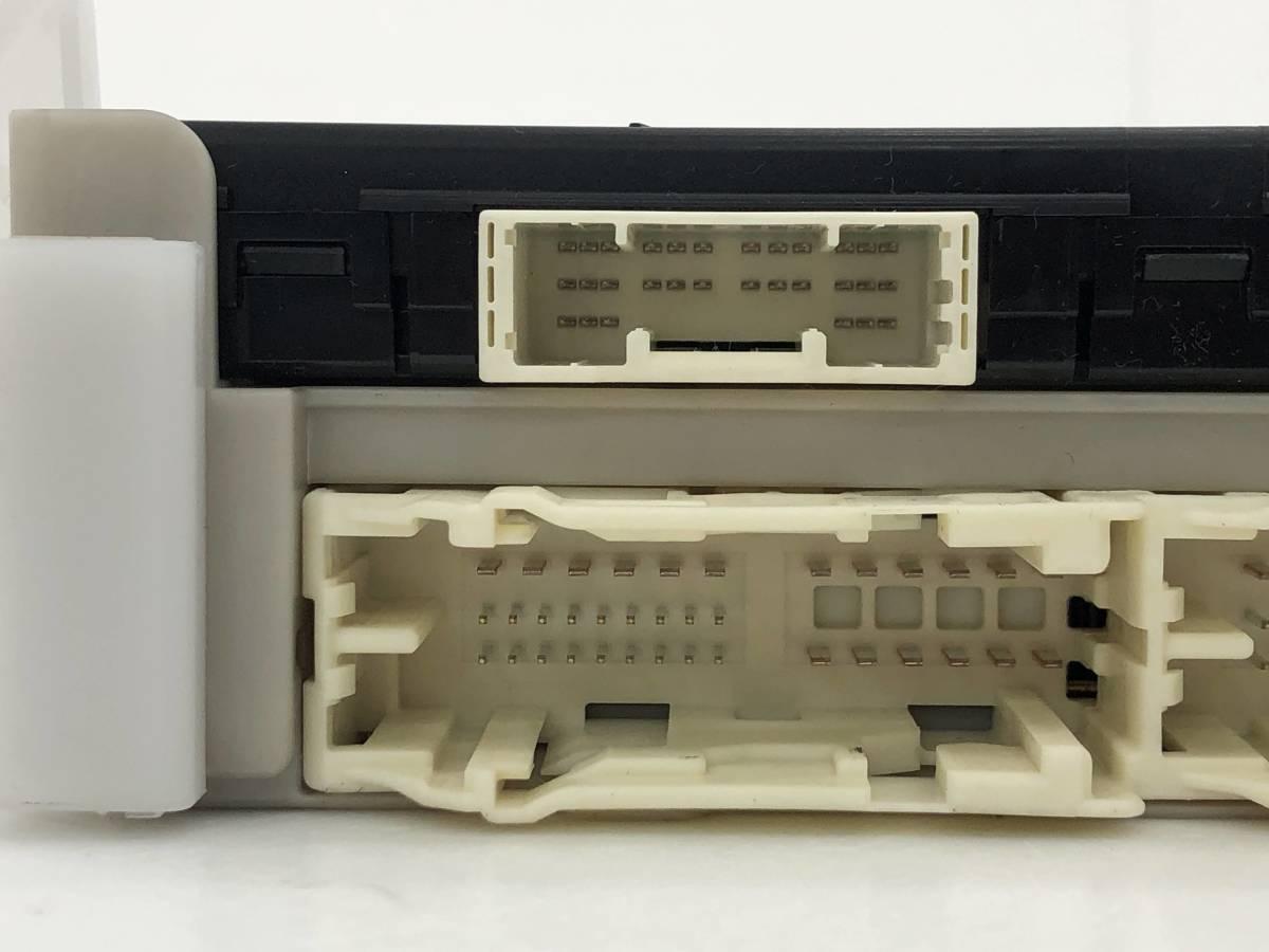 _b49753 トヨタ アクア S DAA-NHP10 ヒューズボックス 室内側 コンピューター 89221-52340_画像4