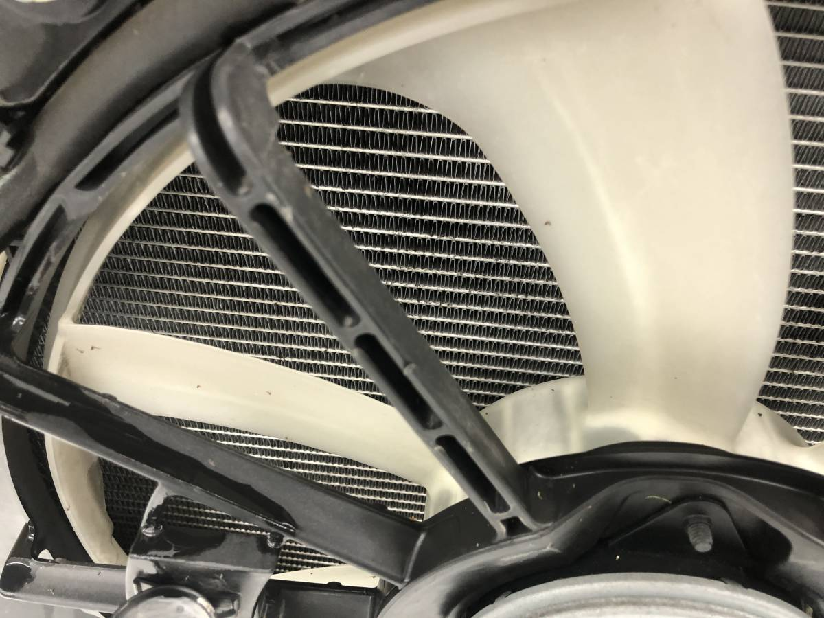 _b49753 トヨタ アクア S DAA-NHP10 ラジエター ラジエーター 電動ファン付き モーター 100222-2383 / 16363-21060 / 268000-5030_画像5