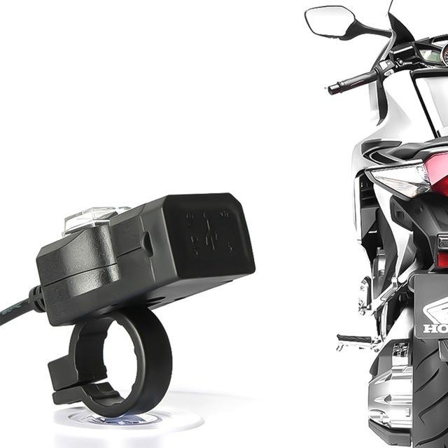 ★1円スタート★デュアル usbポート 防水 バイク オートバイ ハンドルバー 充電器 アダプタ 電源ソケット用 AT2278_画像3