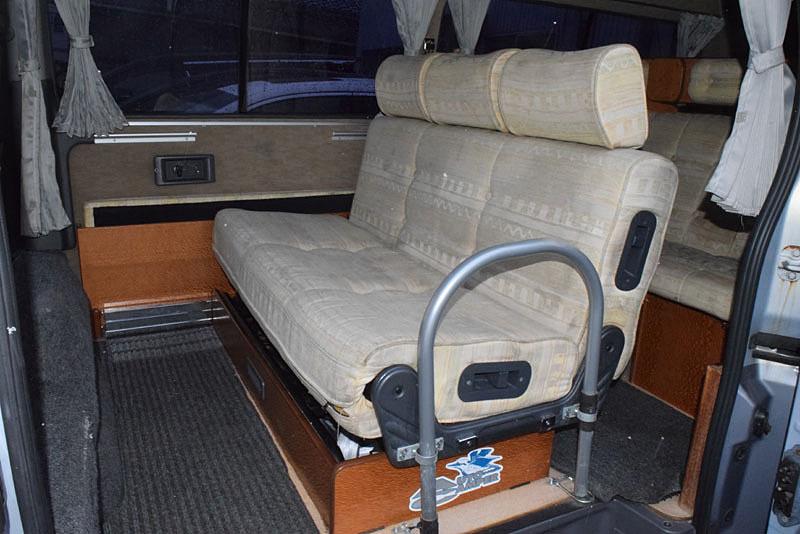 「H16 キャラバン3.0ディーゼル4WD キャンピングカー ビークル ブロス 2段ベッド/エンゲル冷蔵庫/Nox適合!」の画像3