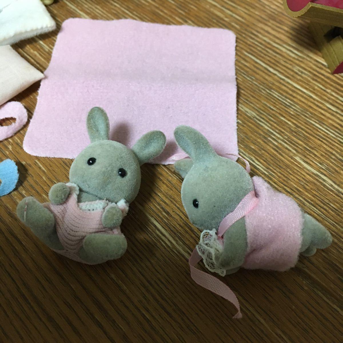 シルバニアファミリー ベビー家具セット 双子 赤ちゃん グレー_画像2