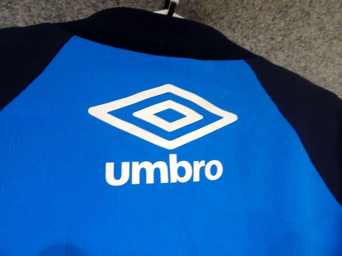 アンブロ UMBRO - サッカー フットサル USED美品 半袖 一枚生地ピステ 練習着 SIZE:M カラー:青系 高機能高デザイン_画像6