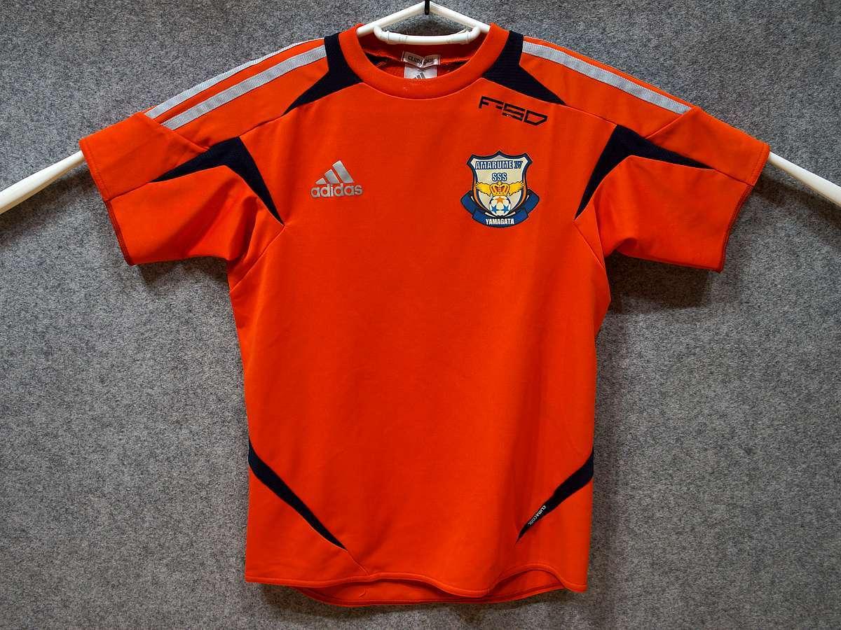 アディダス adidas - サッカー フットサル USED美品 半袖 ユニフォーム 練習着 SIZE:150 カラー:オレンジ系 かっこいい!_画像1