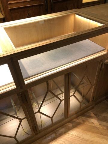 アンティーク 店舗什器 L字カウンターショーケース 無垢材 LED付 鍵付_画像8