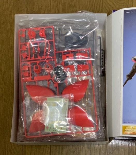 【新品未組立】【送料無料】MG シャア専用ゲルググ MS-14S 1/100 シャア・アズナブル大佐機 マスターグレードモデル_画像3