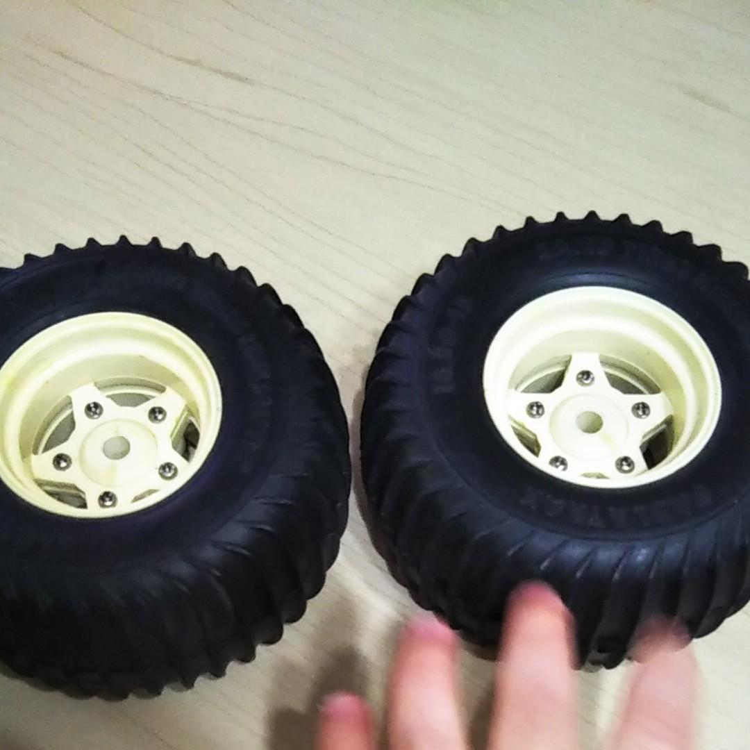 タミヤ グラスホッパーのタイヤホイール