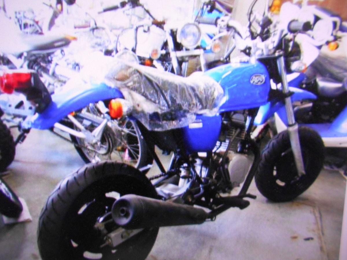 「絶版廃盤原付ミツションホンダエイプ50!マニア館趣味のバイクギフトップトレ-ディング」の画像3